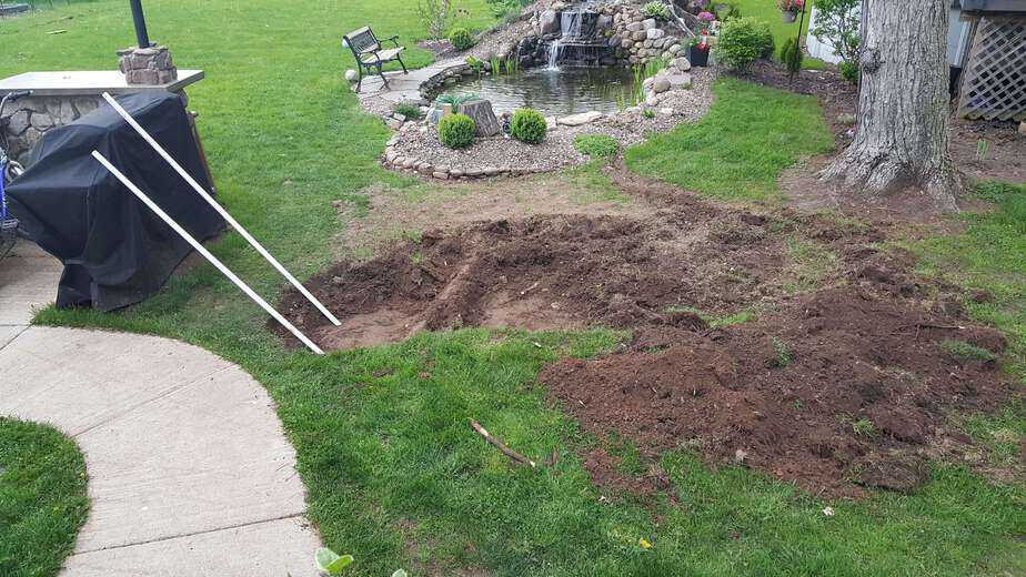 digging out for a flagstone patio